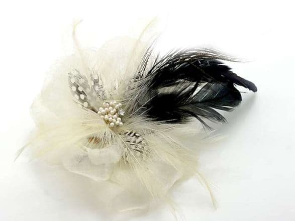 BC9015 beautiful white fabric flower and feather hair clip/brooch